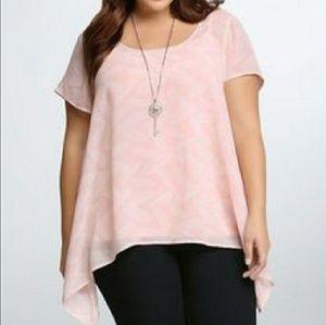 Torrid pink sharkbite feather print blouse 3x
